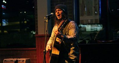 Pub 500 hosts weekly open mic night for musicians